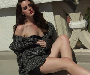 pale and lana+del+rey image