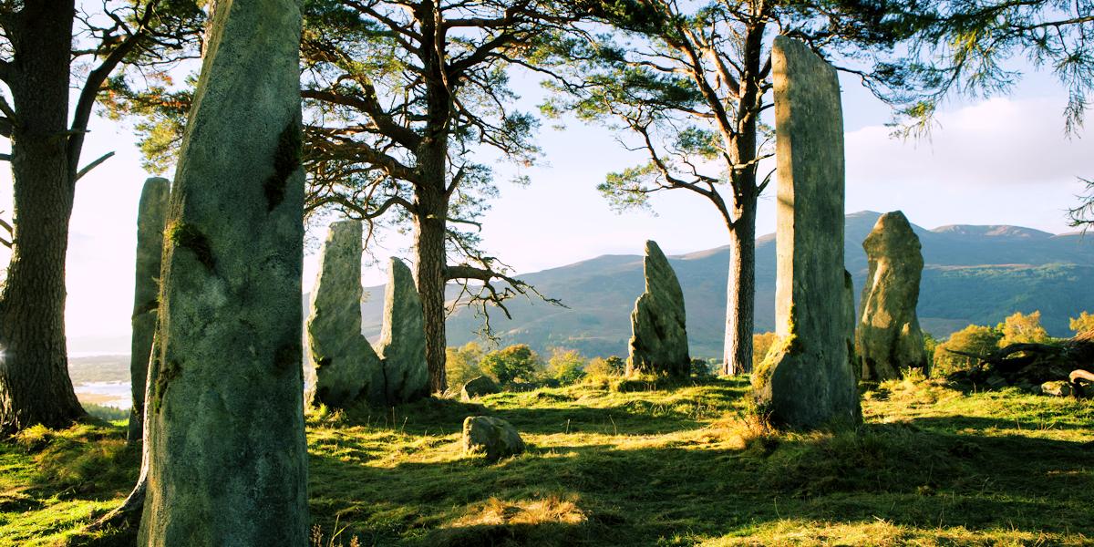 outlander, scotland, and craigh na dun image