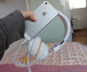 headphones, iphone, and quality tumblr image