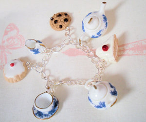 alice in wonderland, biscuits, and cakes image