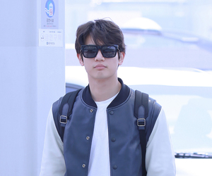 airport, fashion, and kpop image