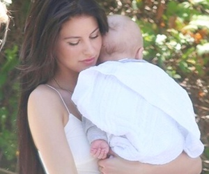 louis tomlinson, family, and briana jungwirth image