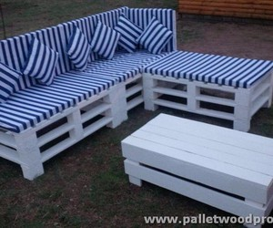 pallet sofa, pallet patio sofa, and pallet outdoor sofa image