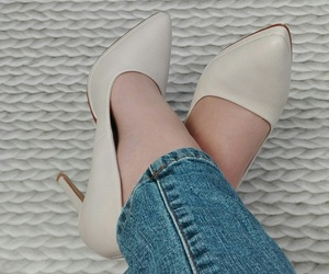 beige, chaussures, and shoes image