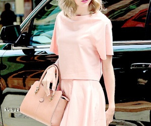 Taylor Swift, style, and pink image