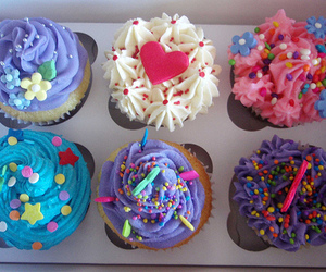 aesthetic, cupcake, and hearts image