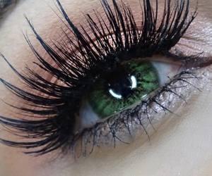 eyelashes