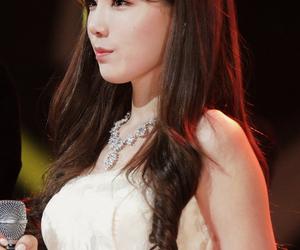 girls generation, kpop idol, and hyoyeon sooyoung image
