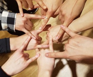 Chen, friendships, and hands image