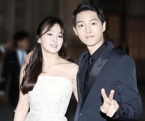 couple, kdrama, and song hye kyo image