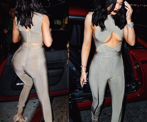 kylie jenner, fashion, and kardashian image