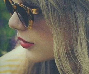 red, swifties, and Taylor Swift image