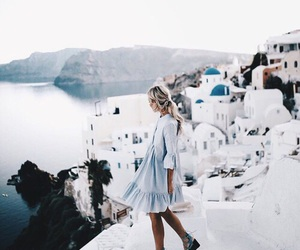 girl and travel image