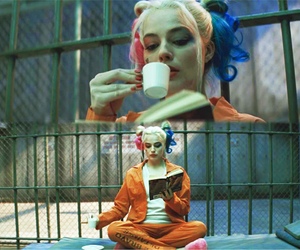 harley quinn, margot robbie, and dc comic image