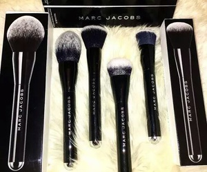 makeup, marc jacobs, and Brushes image
