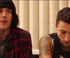 bmth, oli sykes, and bring me the horizon image