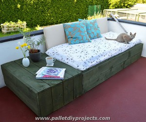 diy pallet daybed, pallet daybed plans, and daybeds image