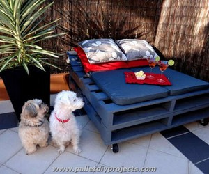 daybeds, pallet daybed, and diy pallet daybed image