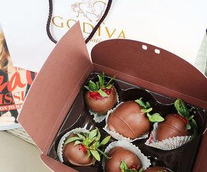berries, yummy, and chocolate image