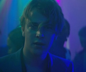 tom odell wrong crowd image