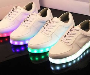 led, tenis branco, and shoes white image