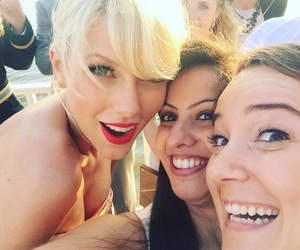 fans, taylor, and Taylor Swift image
