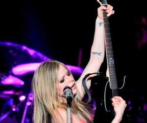 Avril Lavigne, celebrity, and little black stars image