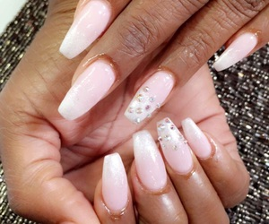 nails, ongles, and paillette image