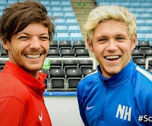 louis, niall, and teamlouis image