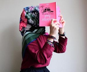 hijab and read image