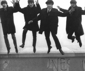 heart, music, and beatles image