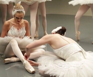 Taylor Swift, shake it off, and ballet image