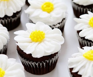 cupcakes, daisies, and dessert image