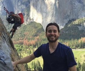 jared leto, climbing, and alex honnold image