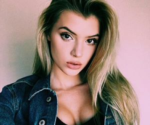 alissa violet and alissa image
