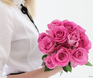 roses and bouquet image