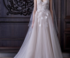 wedding dress and Monique Lhuillier image