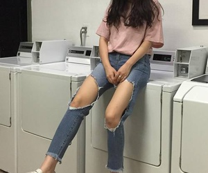 aesthetic, legs, and pink image