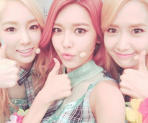 snsd, taeyeon, and sooyoung image