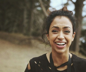 liza koshy, youtube, and lizzza image