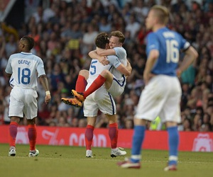 olly murs, soccer aid, and mark wright image