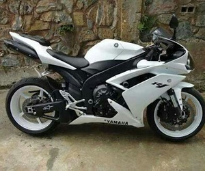 white, YAMAHA, and sport bike image