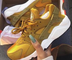 huarache, nike, and shoes image