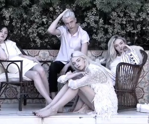 smith family, lucky blue, and pyper america image