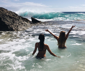 best friends, hawaii, and waves image