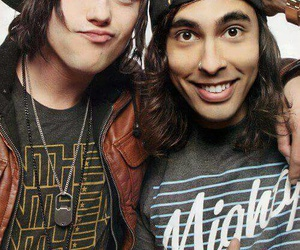 kellin quinn, sleeping with sirens, and vic fuentes image