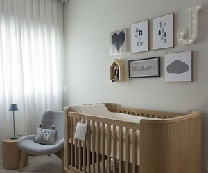 baby and bedroom image