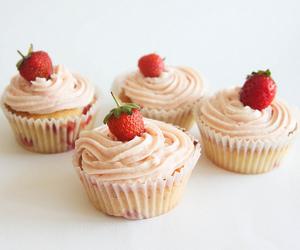 strawberry, cake, and cupcake image