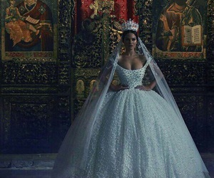 dress, wedding, and Queen image