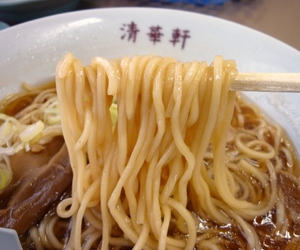 ramen and food image